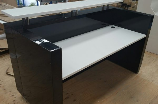 Reception Table : RT - 653