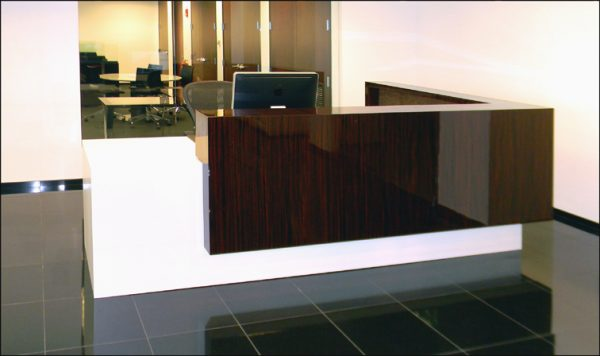Reception Table : RT - 662